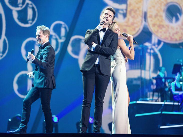 Helene Fischer singt in ihrer Show auch mit Florian Silbereisen und Band.