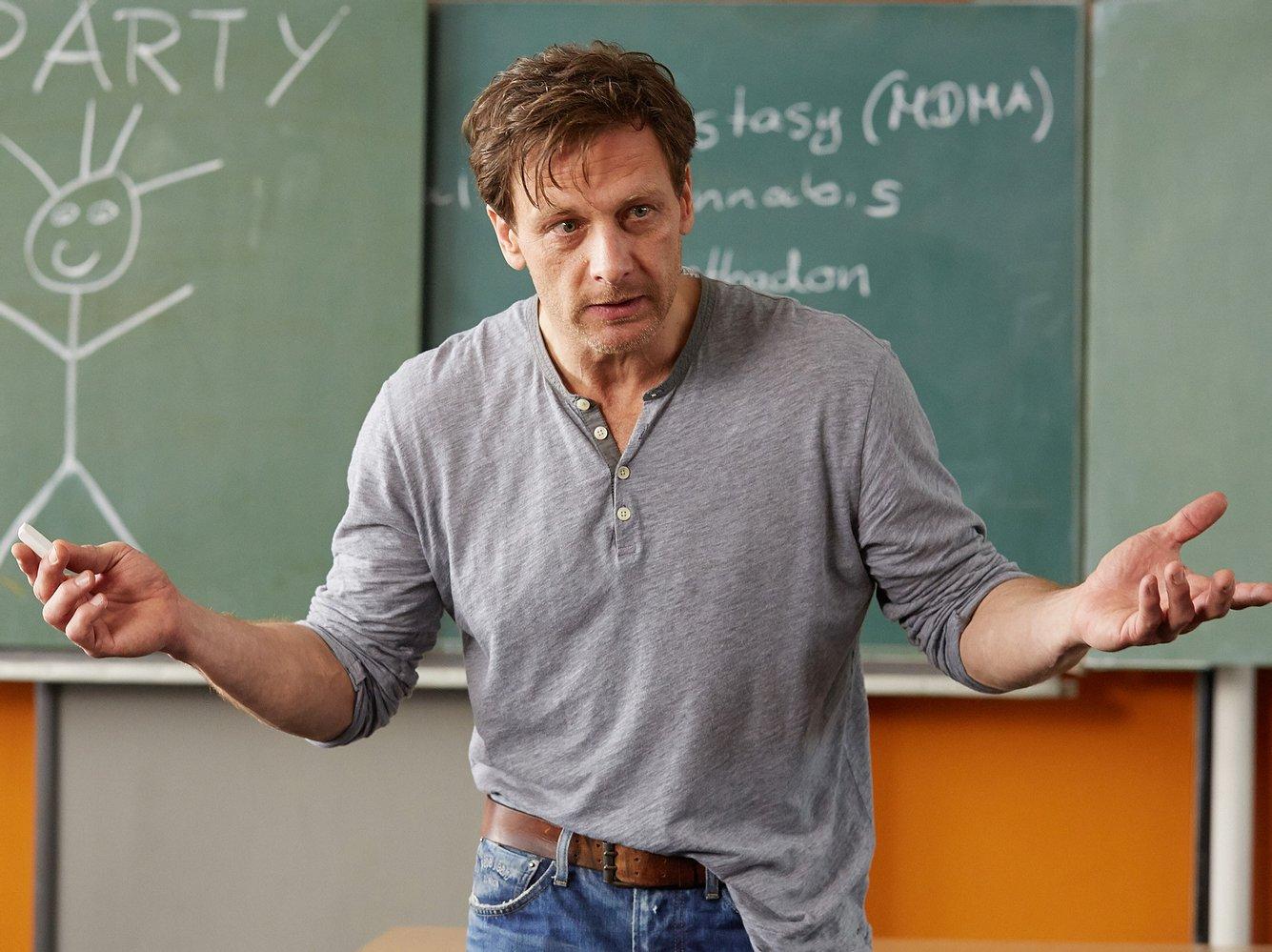 Hendrik Duryn als Lehrer Stefan Vollmer