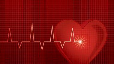 Herzstolpern richtig deuten - Foto: RobinOlimb / iStock