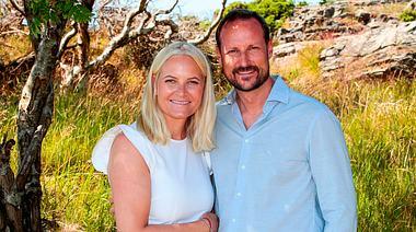 Mette-Marit und Haakon sind seit fast 20 Jahren verheiratet. - Foto: GettyImages/LISA ASERUD