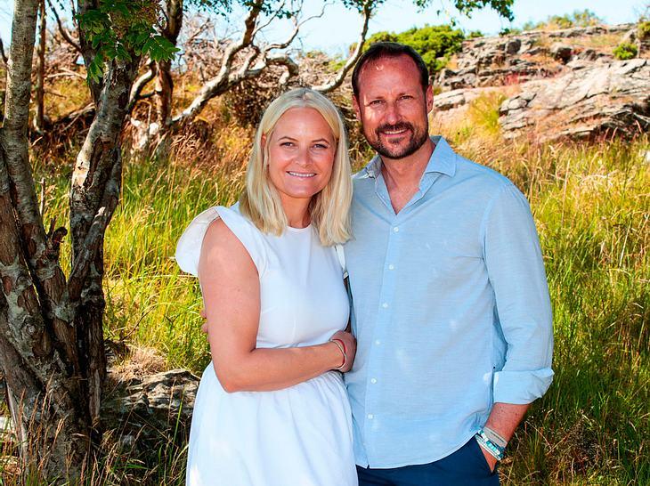 Mette-Marit und Haakon sind seit fast 20 Jahren verheiratet.
