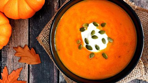 Hokkaido-Suppe kochen: Rezept für eine schnelle Kürbissuppe