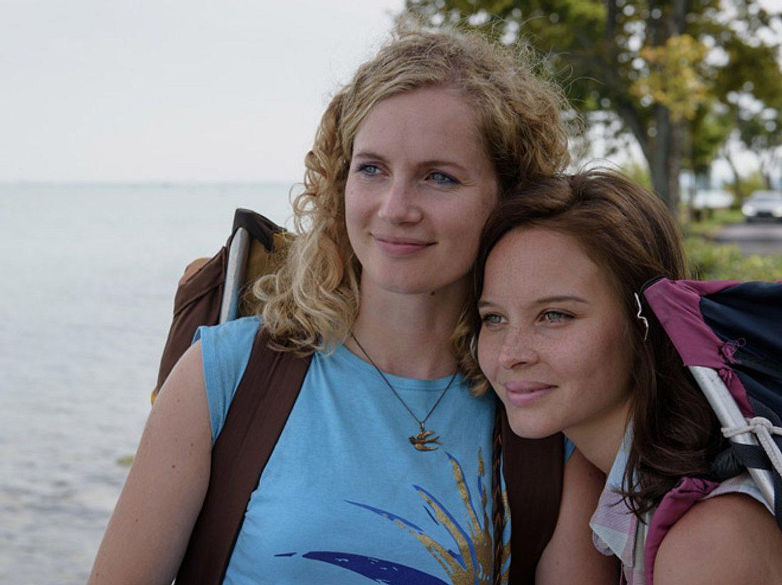 Cornelia Gröschel und Sonja Gerhardt spielen in Honigfrauen zwei Schwestern.