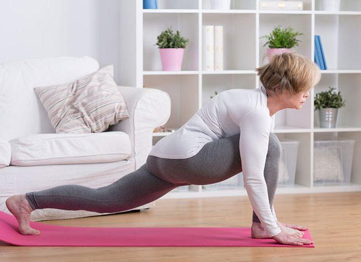 Hormon-Yoga: Gestärkt durch die Wechseljahre