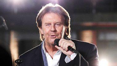 Sänger Howard Carpendale hat ein sehr enges Verhältnis zu seinem Sohn Wayne. - Foto: VOX / Frank W. Hempel