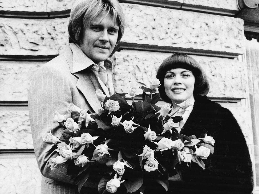 So sahen Howard Carpendale und Mireille Mathieu früher, ganz am Anfang ihrer Musikkarriere aus.