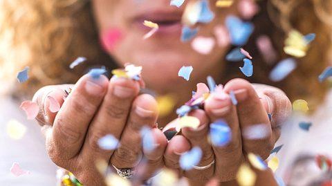 Kennen Sie schon exotische Glücks-Begriffe wie Hygge und Lagom? - Foto: simonapilolla / iStock