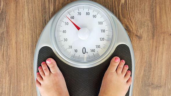 Idealgewicht berechnen: Wie viel sollte ich wirklich wiegen?