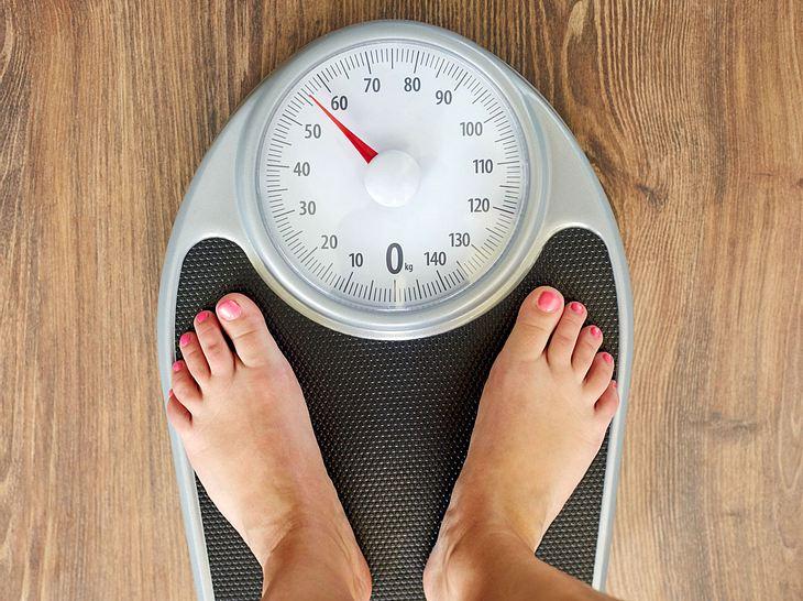 idealgewicht berechnen wie viel sollte ich wirklich. Black Bedroom Furniture Sets. Home Design Ideas