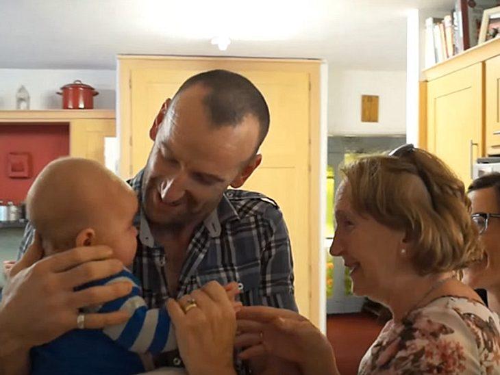 Für Großeltern ist es ein unbeschreiblich schönes Gefühl, ihre Enkel zum ersten Mal zu sehen.