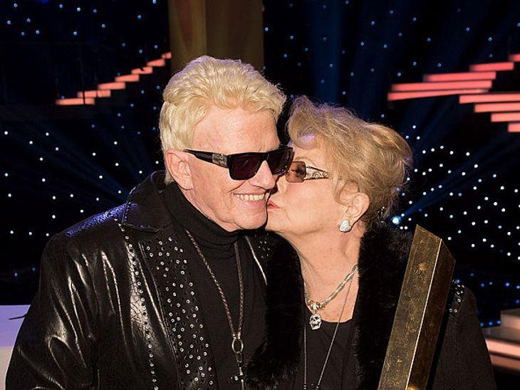 Volksmusiker Heino legt für seine Frau Hannelore eine Auszeit ein und tritt auf der Bühne kürzer.