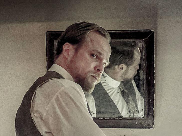 In Charité spielt Matthias Koeberlin den Mediziner Emil von Behring.