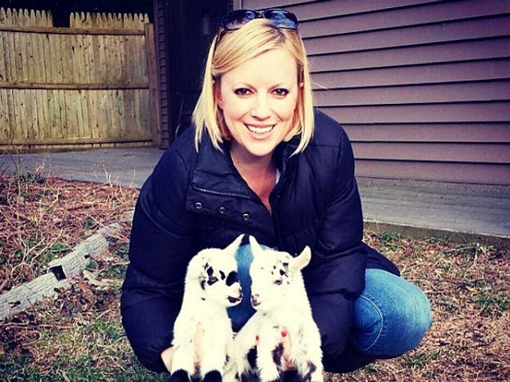 Die Amerikanerin Leanne Lauricella gab ihren Job auf, um sich stattdessen um behinderte Ziegen in Not zu kümmern.