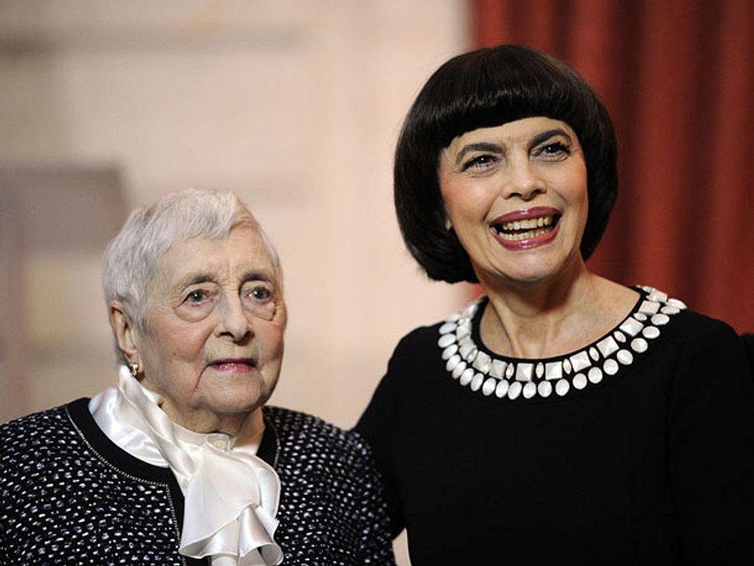 Ein Jahr nach dem Tod ihrer geliebten Mutter Marcelle hat die Sängerin Mireille Mathieu wieder ins Leben zurückgefunden.