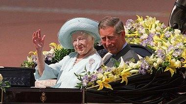 Queen Mum liebte Soaps, Gin Tonic & Pferderennen