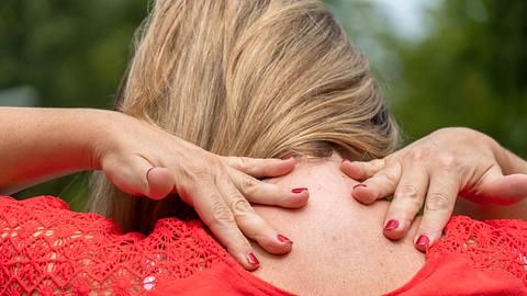 Bandscheibenvorfall Halswirbelsäule: Symptome und Ursachen