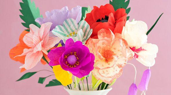 Blumen aus Krepppapier: So basteln Sie Tulpen, Mohn & Co.