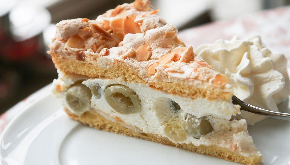 Stachelbeerkuchen mit Baiser: So einfach gelingt der Kuchen-Klassiker