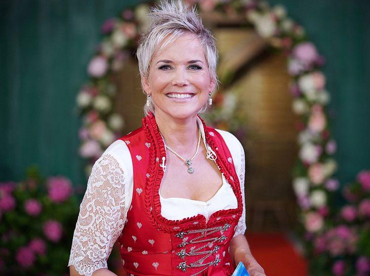 Inka Bause präsentiert 'Bauer sucht Frau'.