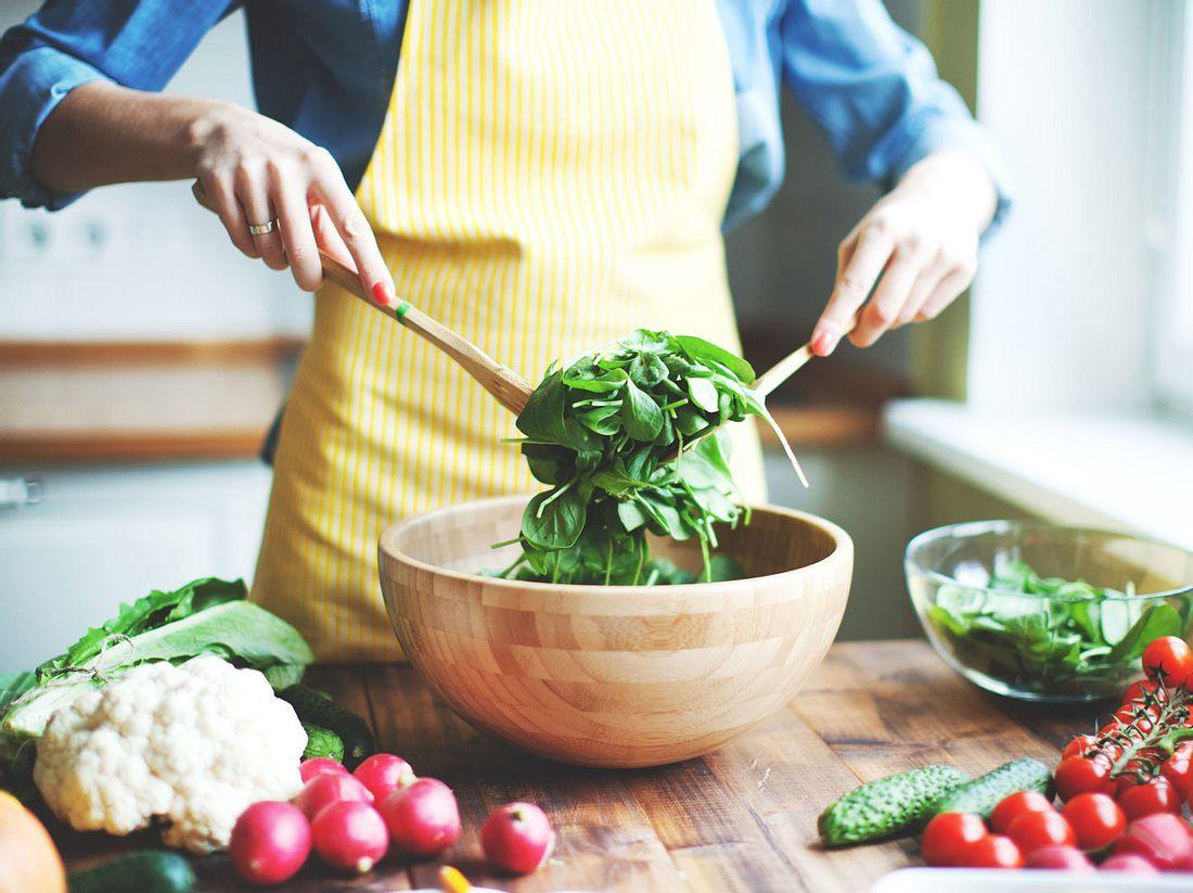 Wer intuitiv isst, kann ganz natürlich sein Wunschgewicht erreichen.