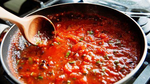 Verfeinerte Tomatensauce - Foto: ARTindividual/iStock