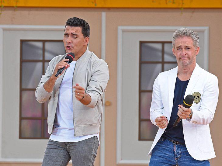 Jan Smit und Christoff De Bolle von Klubbb3 bei einem TV-Auftritt.