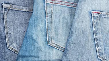 So pflegen Sie Jeansstoff richtig