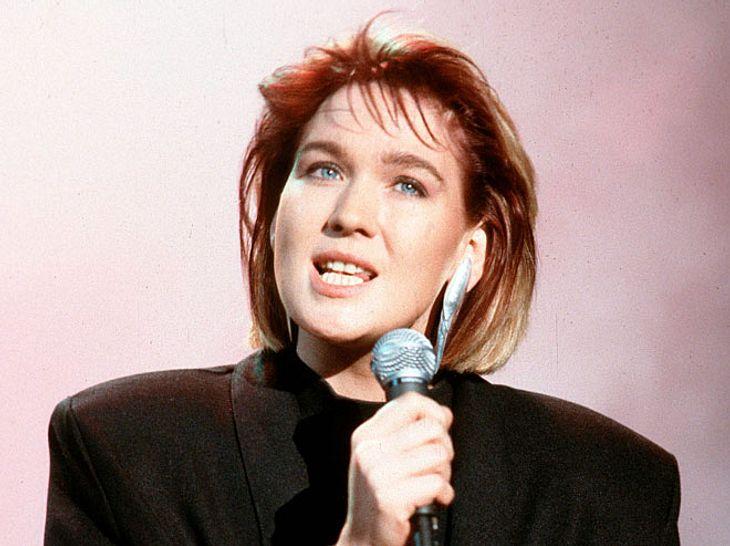 Sängerin Juliane Werding während eines Auftritts in der Musiksendung Formel Eins im Jahr 1988.