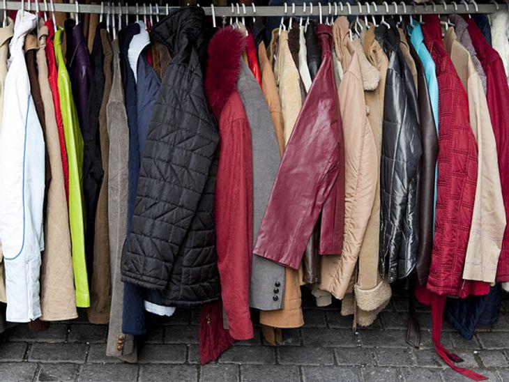 Kälte-Kleiderständer für Obdachlose