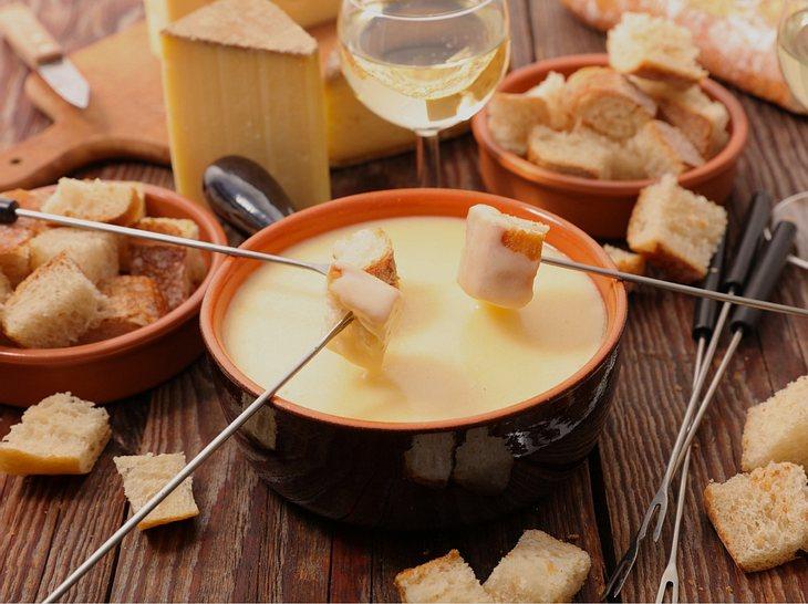 So gelingt das Käsefondue