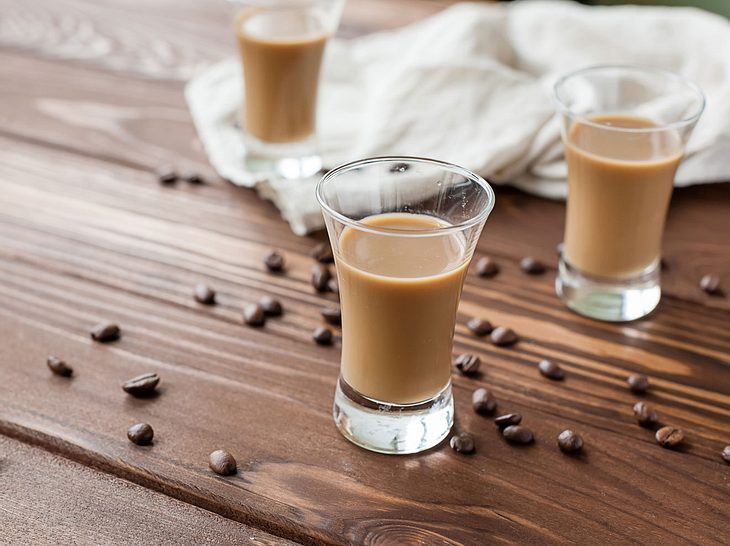 So gelingt selbstgemachter Kaffeelikör