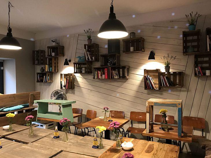"""Ein Blick in das gemütliche Café """"Kahrmann's Own""""."""