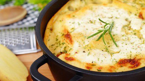 Kartoffelauflauf dreimal anders - Foto: Vertmedia / iStock