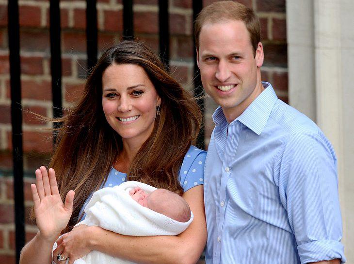 Herzogin Kate und Prinz William mit dem neugeborenen George.