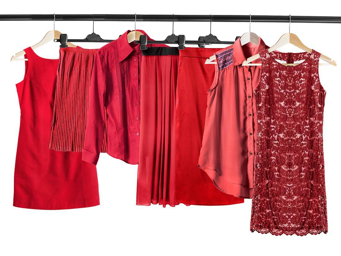Mit welchem Kleid lässt sich der Bauch kaschieren?