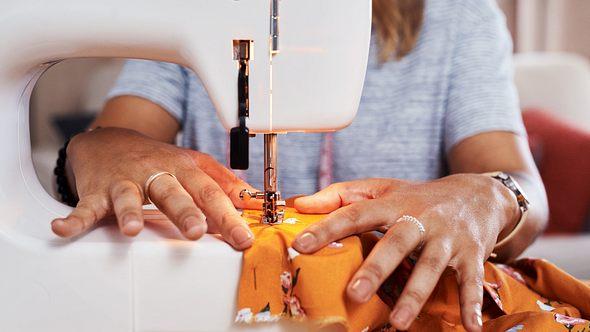 Kleidung nachhaltig und für wenig Geld einfach selbst weiten
