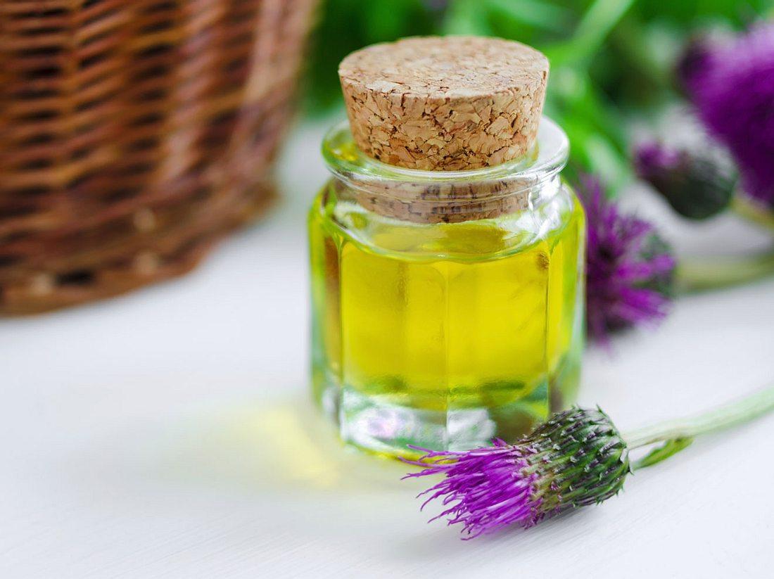 Das Klettenwurzelöl ist ein natürliches Helferlein.
