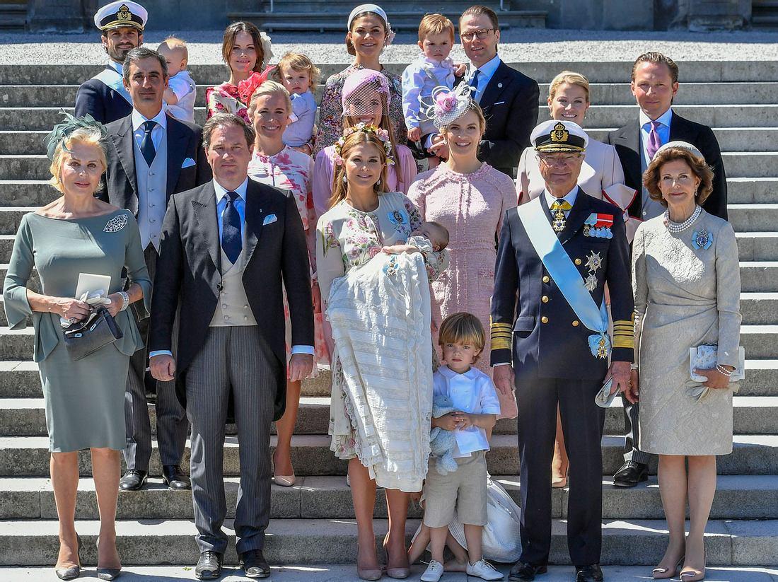 König Carl Gustaf XVI entbindet seine Enkelkinder von ihren royalen Pflichten.