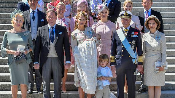 König Carl Gustaf XVI. sortiert aus