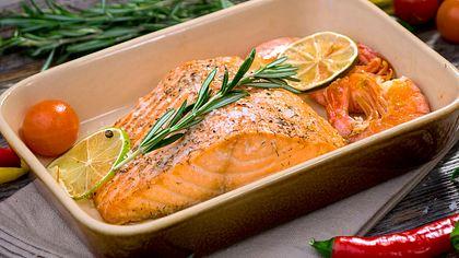 Lachs im Backofen garen: Zubereitungstipps plus 3 einfache Rezepte