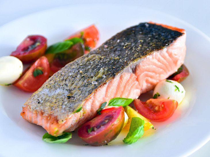 Lachsfilet Braten So Wird Ihr Fisch Schön Glasig Und Saftig
