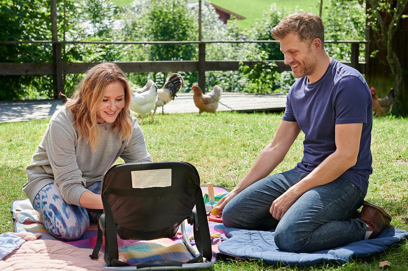 Lena (Judith Hoersch) und Quirin (Jens Atzorn) in Elternzeit
