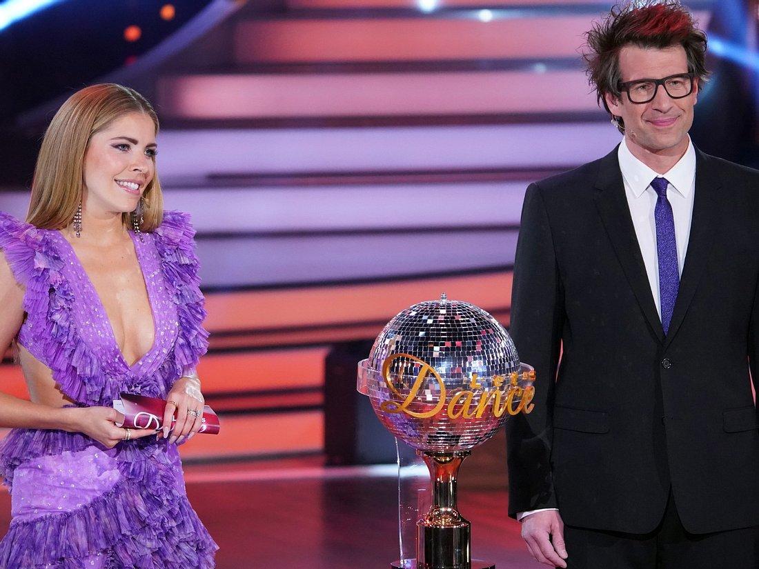 Die 'Let's Dance'-Moderatoren Victoria Swarovski und Daniel Hartwich.