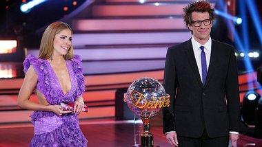 Victoria Swarovski und Daniel Hartwich bei Lets Dance. - Foto: TVNOW / Stefan Gregorowius