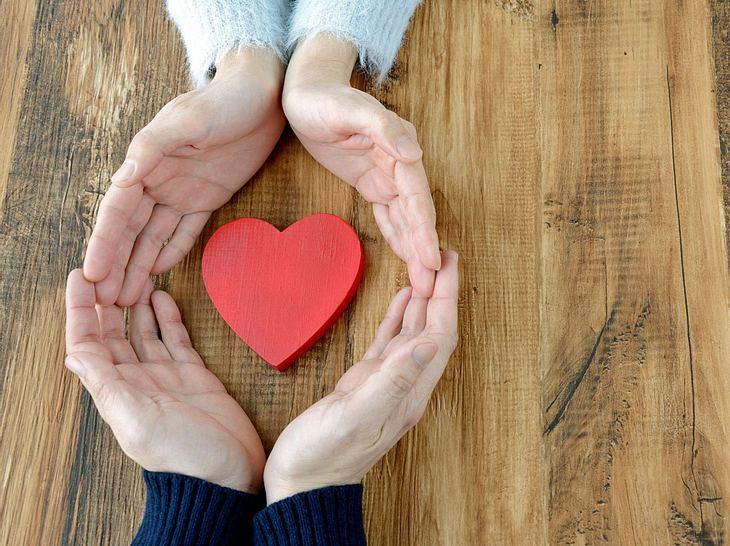 Eine Liebe auf Augenhöhe lebt auch davon, dass wir uns für den anderen interessieren.