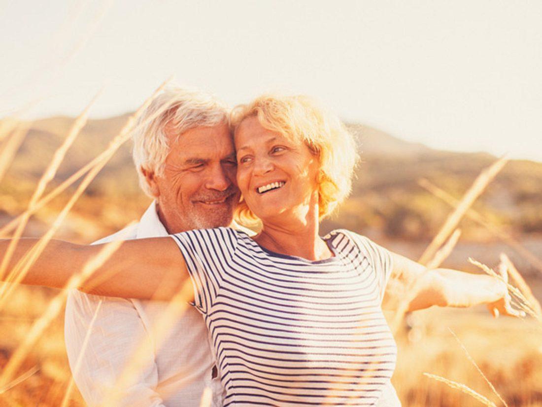 Je länger eine Beziehung andauert, desto wichtiger ist es, sich immer wieder für die Liebe und damit den Partner zu entscheiden.