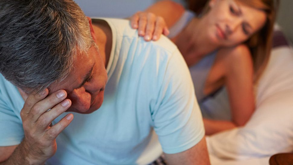 Für eine Partnerschaft ist es belastend, wenn sich sexuelle Unlust beim Mann bemerkbar macht. - Foto: monkeybusinessimages / iStock
