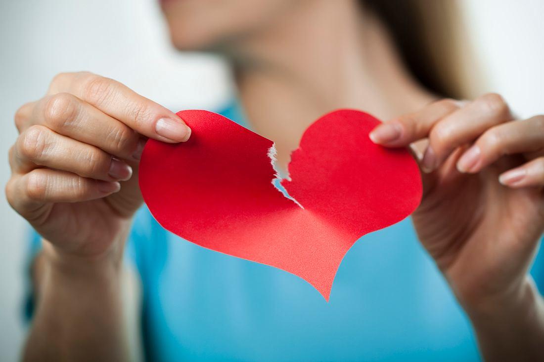 Liebeskummer ist auch im Alter schmerzhaft.