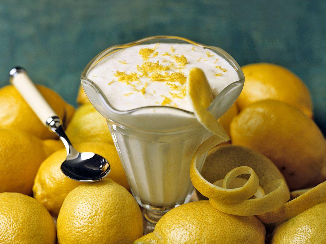 Mit diesem Rezept lässt sich eine leckerer Limoncello-Creme anrühren.