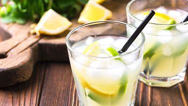 Erfrischend im Sommer: Limoncello Spritz. - Foto: Dzevoniia / iStock
